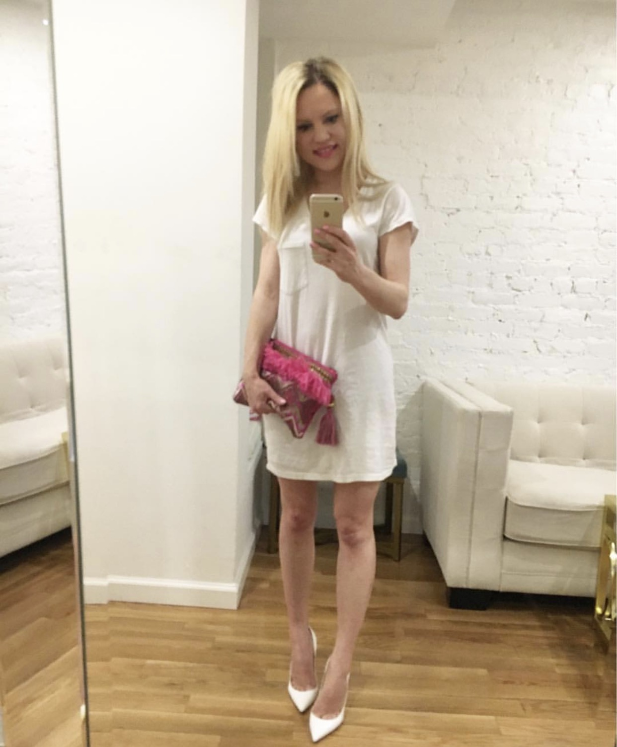 white t-shirt dress, pink clutch