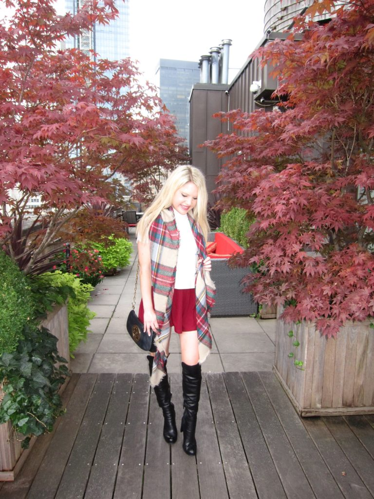 fashion blogger fall leaves fall foilage