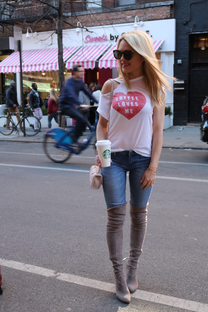 coffee loves me tee