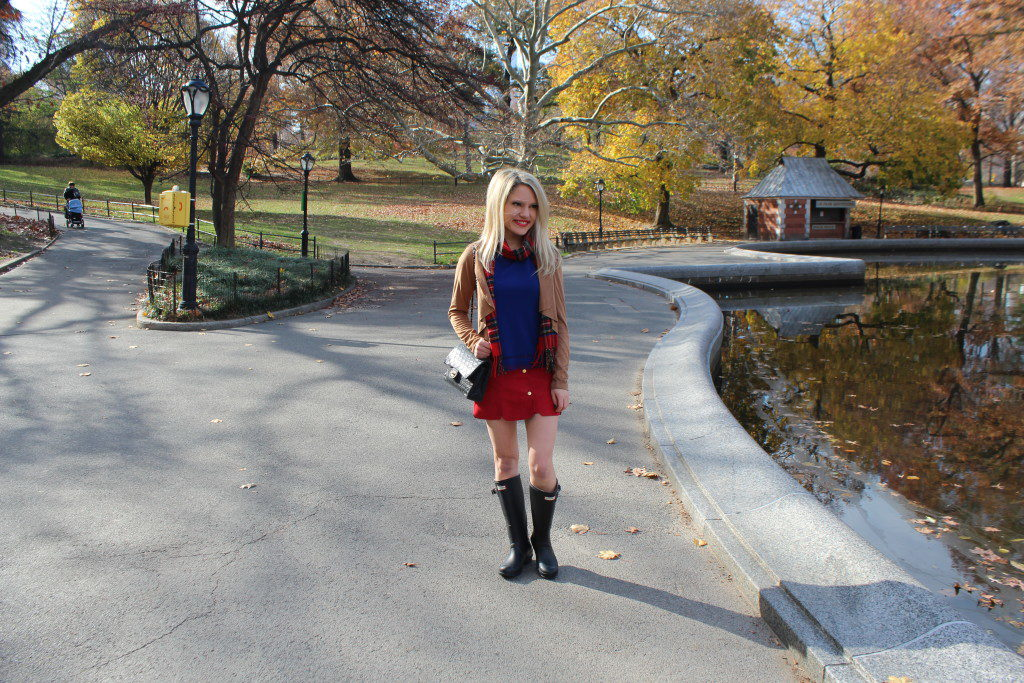 waterfall cardigan, plaid scarf, scalloped skirt, hunter boots